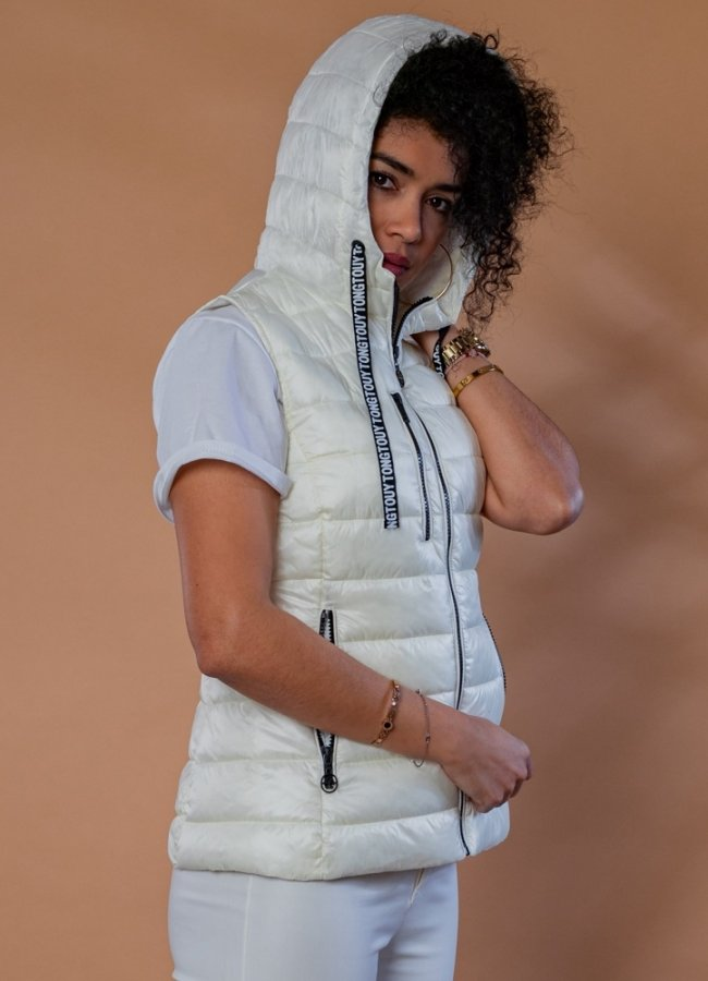 sleeveless spring jacket with hood