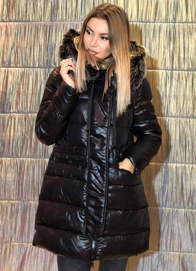 μπουφάν με γούνα στις τσέπες και στην κουκούλα - Parizianista.gr 91a2b59b40d