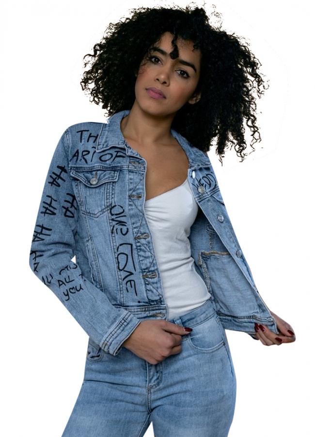 jacket με γράμματα