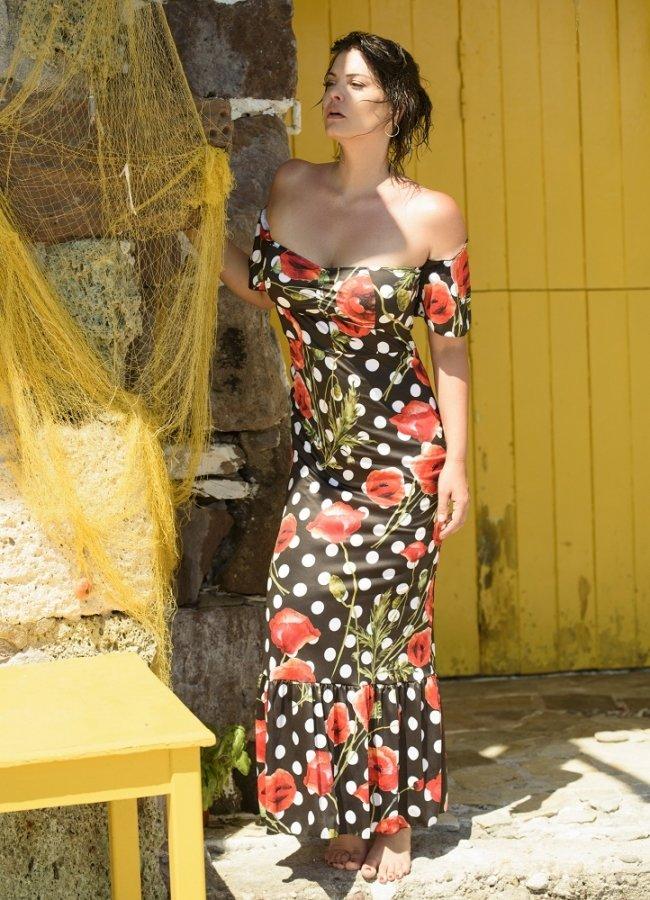 μάξι φόρεμα έξωμο με μανικάκια και βολάν στο τελείωμα by Maria Korinthiou Collection