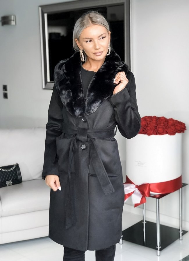 παλτό με γούνινο γιακά