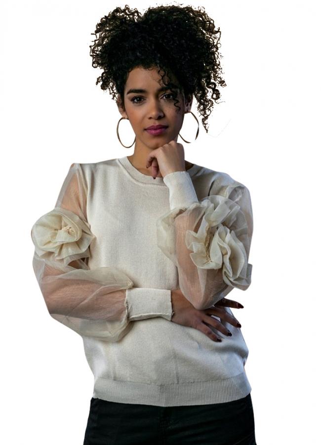 πλεκτή μπλούζα με οργάντζα μανίκια