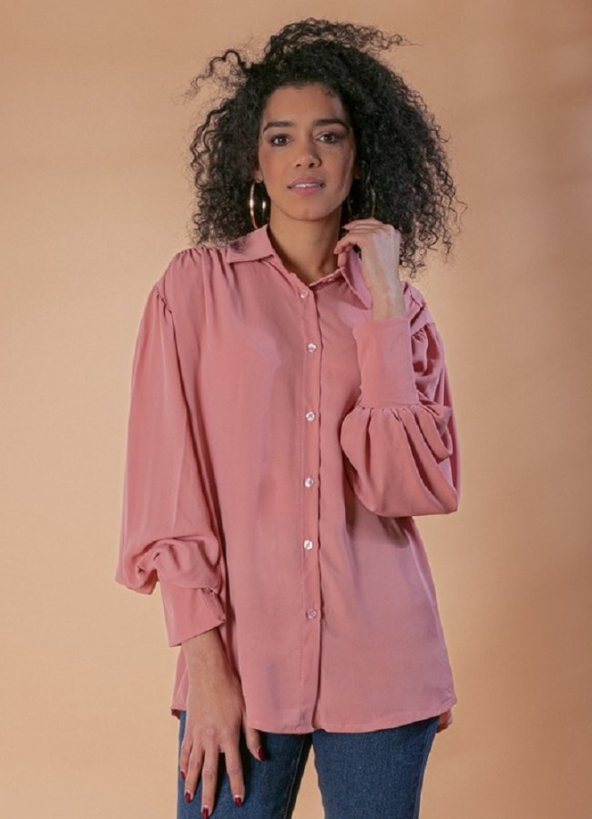 πουκάμισο με φουσκωτά μανίκια